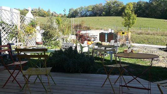 Des ateliers au jardin, en petits groupes